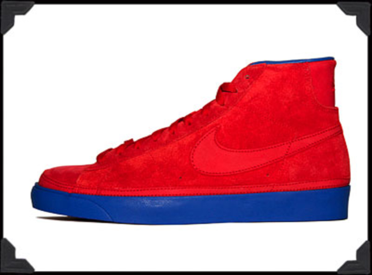 UNDEFEATED NIKE BLAZERS 10/25/08