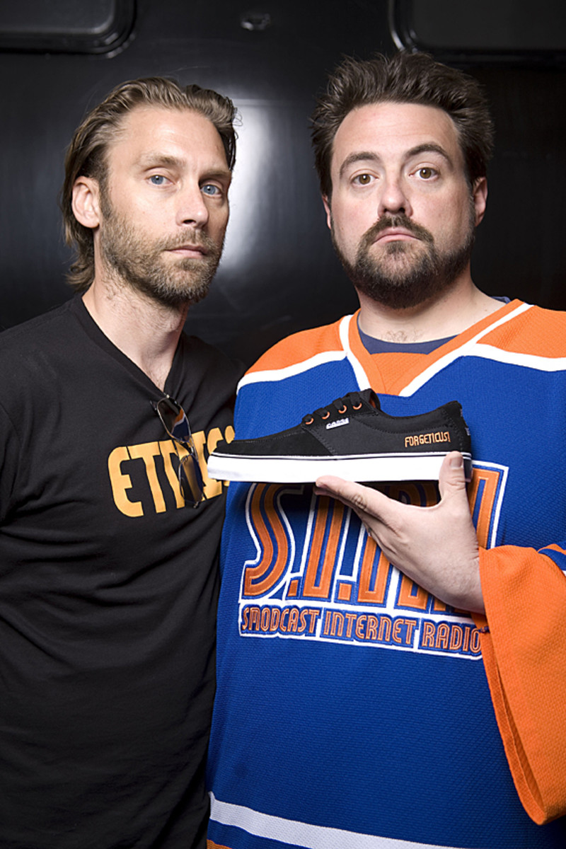kevin-smith-etnies-smeakers-sdcc-2011-launch-04
