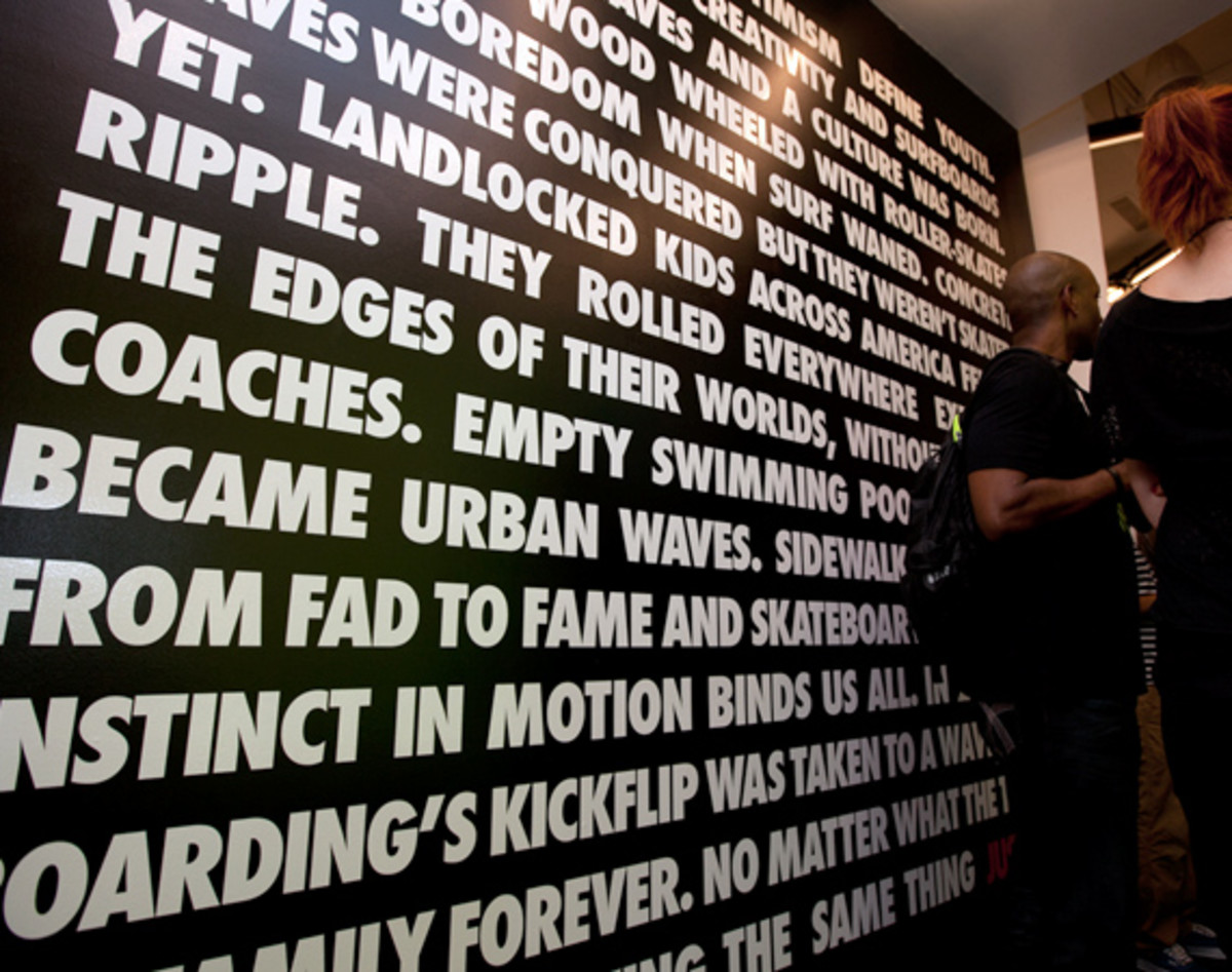 nike-stadium-NYC-reopens-the-wave-05