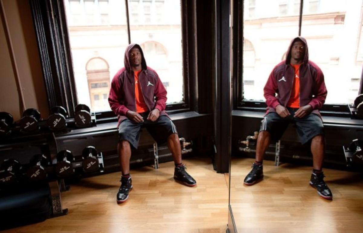 jordan-brand-fall-holiday-2011-lookbook-andre-johnson-04