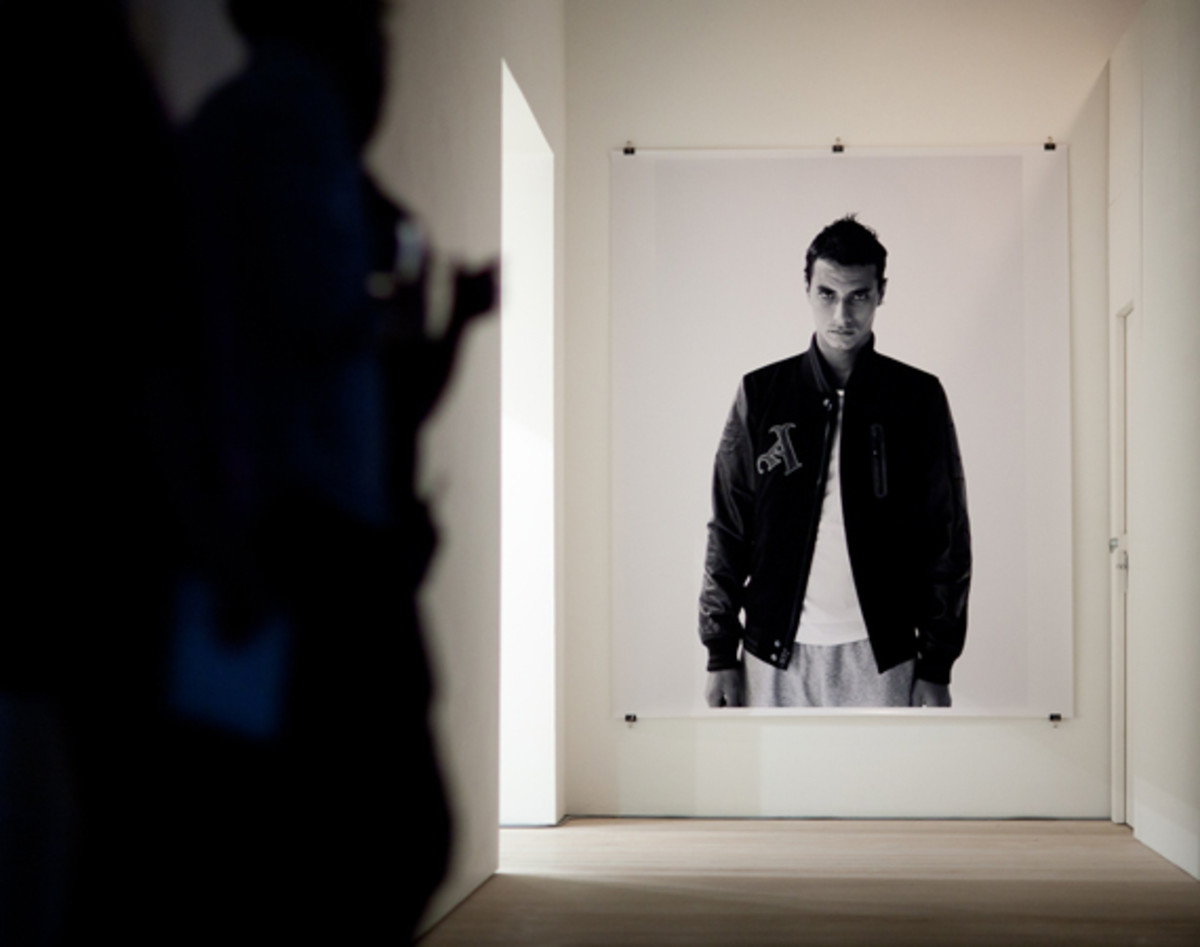 nike-the-arsenal-125-saatchi-gallery-07