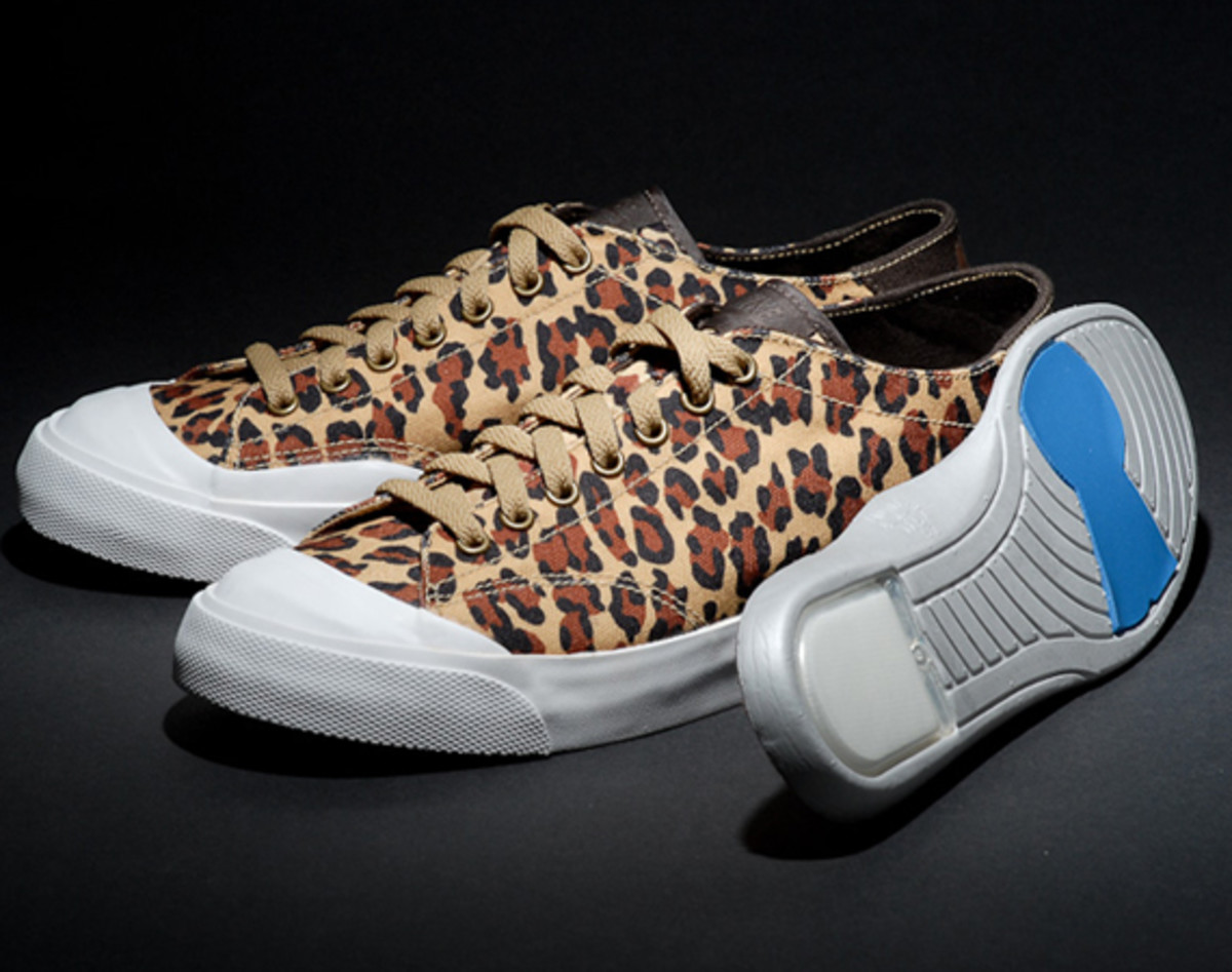 fragment-design-nike-all-court-2-low-leopard-additional-look-03