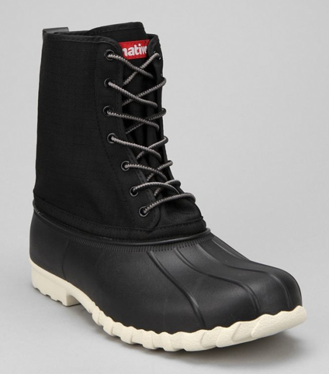 native-jimmy-duck-boots-black-02