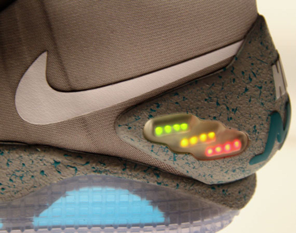 Nike MAG 2011 (McFly) | Detailed Look