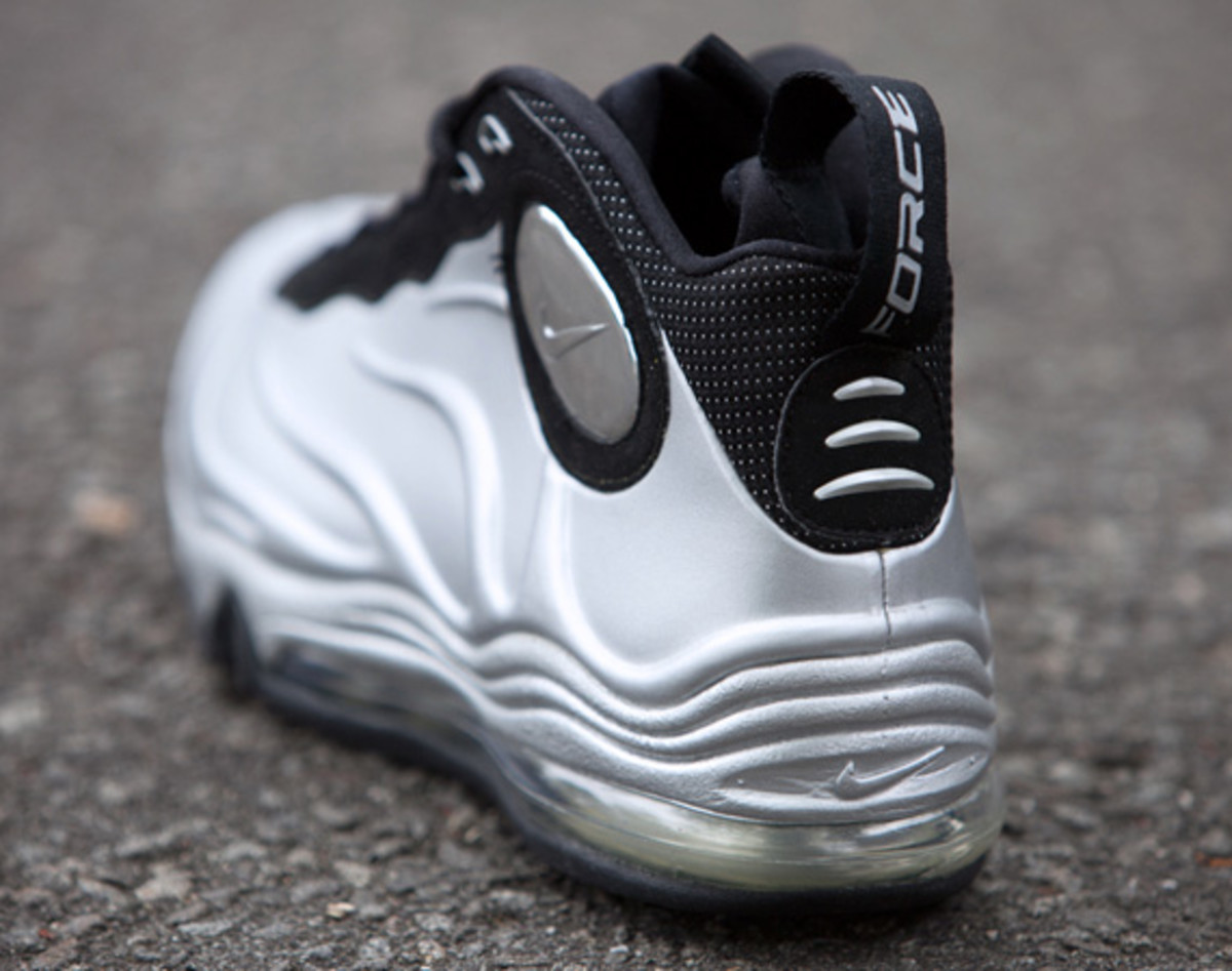 nike-total-air-foamposite-max-tim-duncan-12