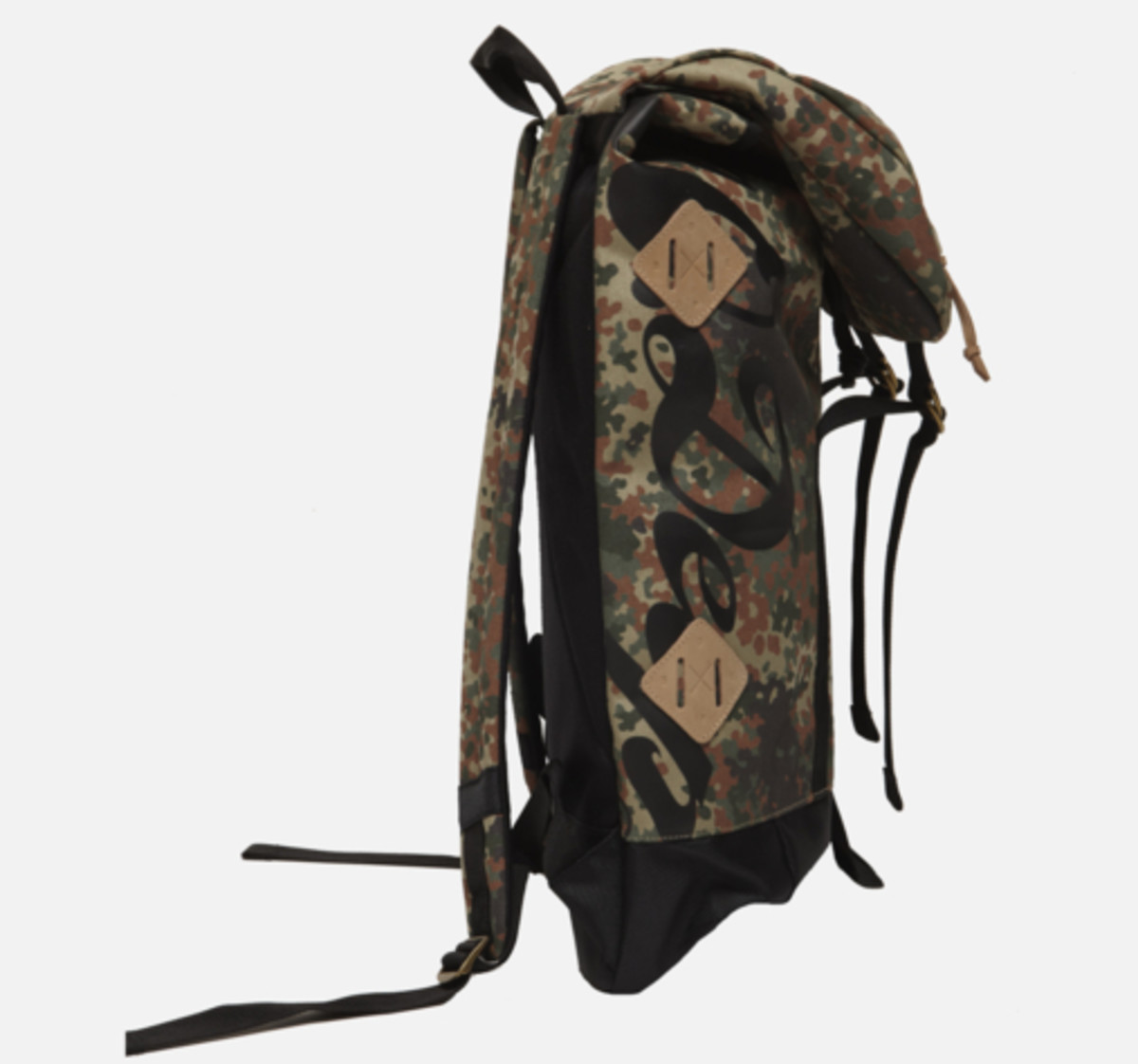 division-day-pack-camo-03