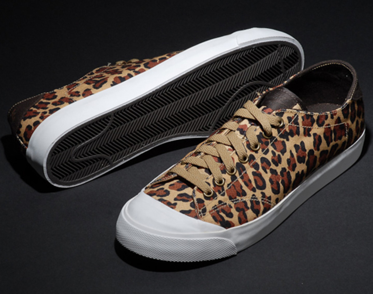 fragment-design-nike-all-court-2-low-leopard-additional-look-01