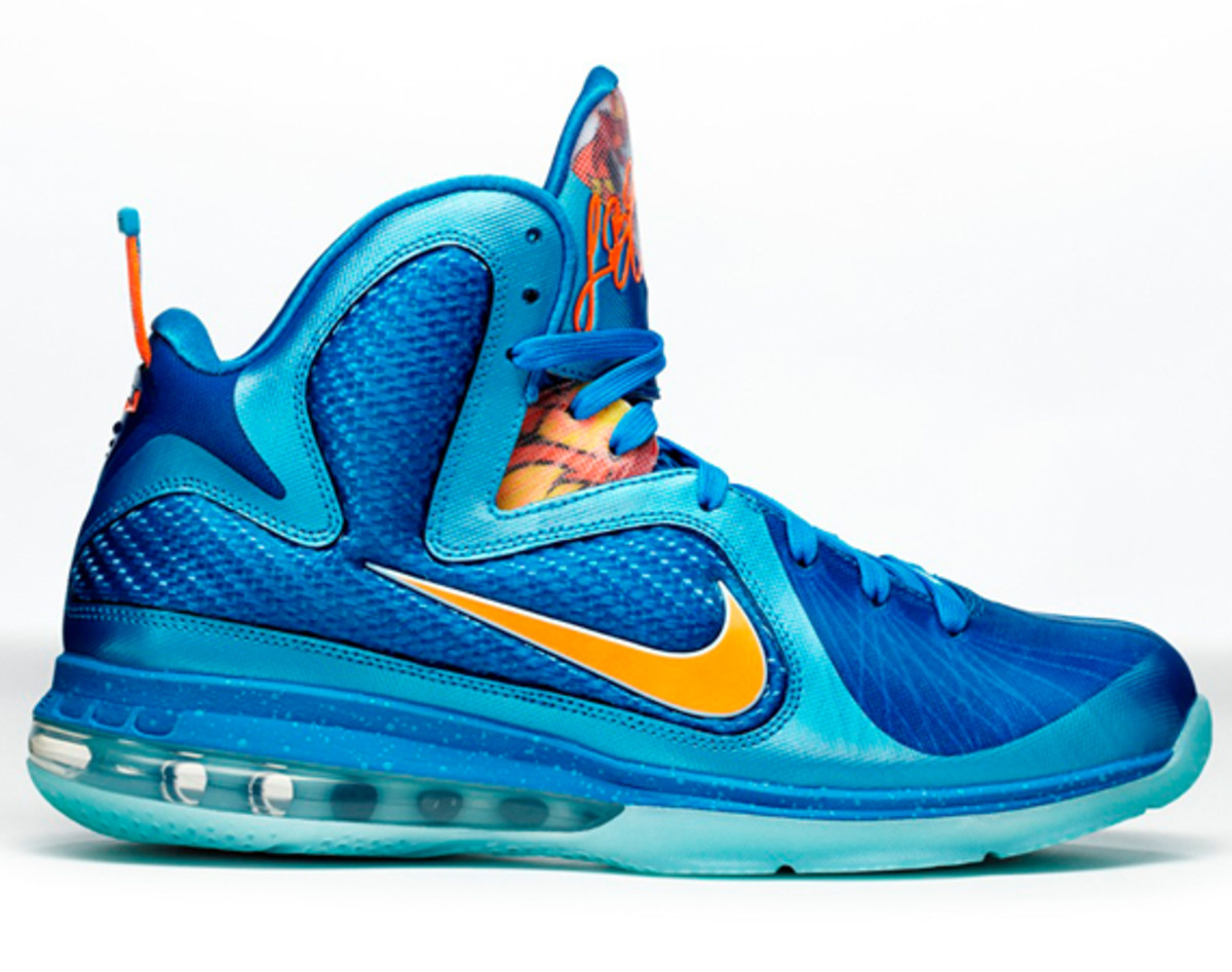 nike-lebron-9-china-edition-detailed-look-a02