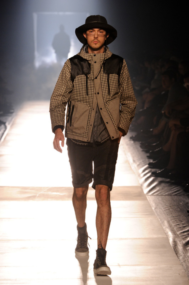 white-mountaineering-spring-summer-2012-30