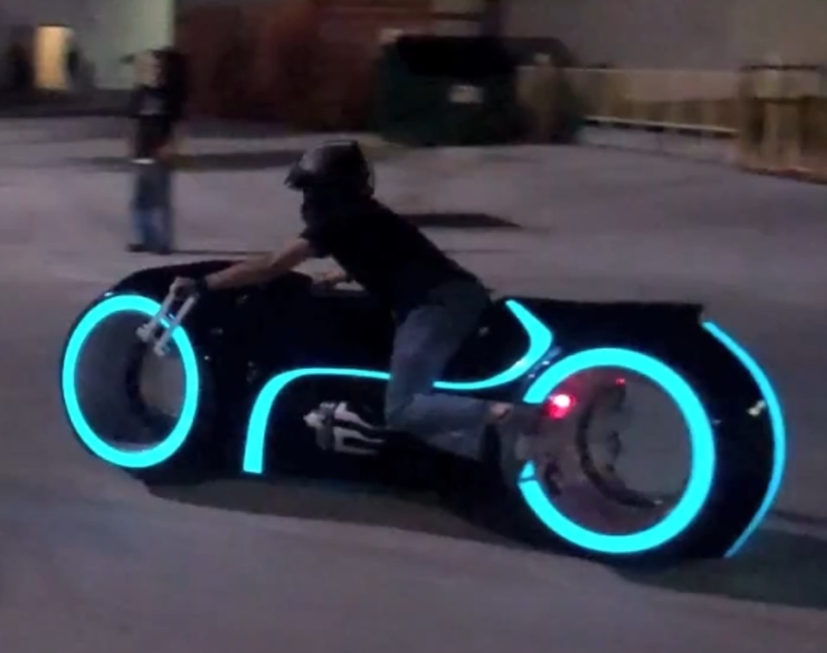 Real-Life Electric Tron Lightcycle