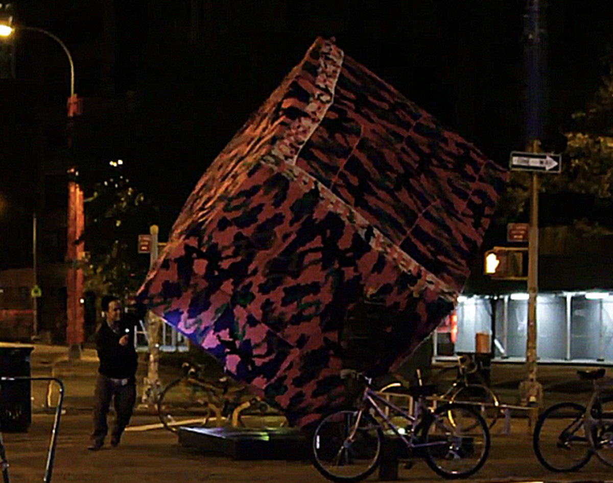 Agata-Olek-Astor-Place-Cube-Sculpture-Crocheted-Video