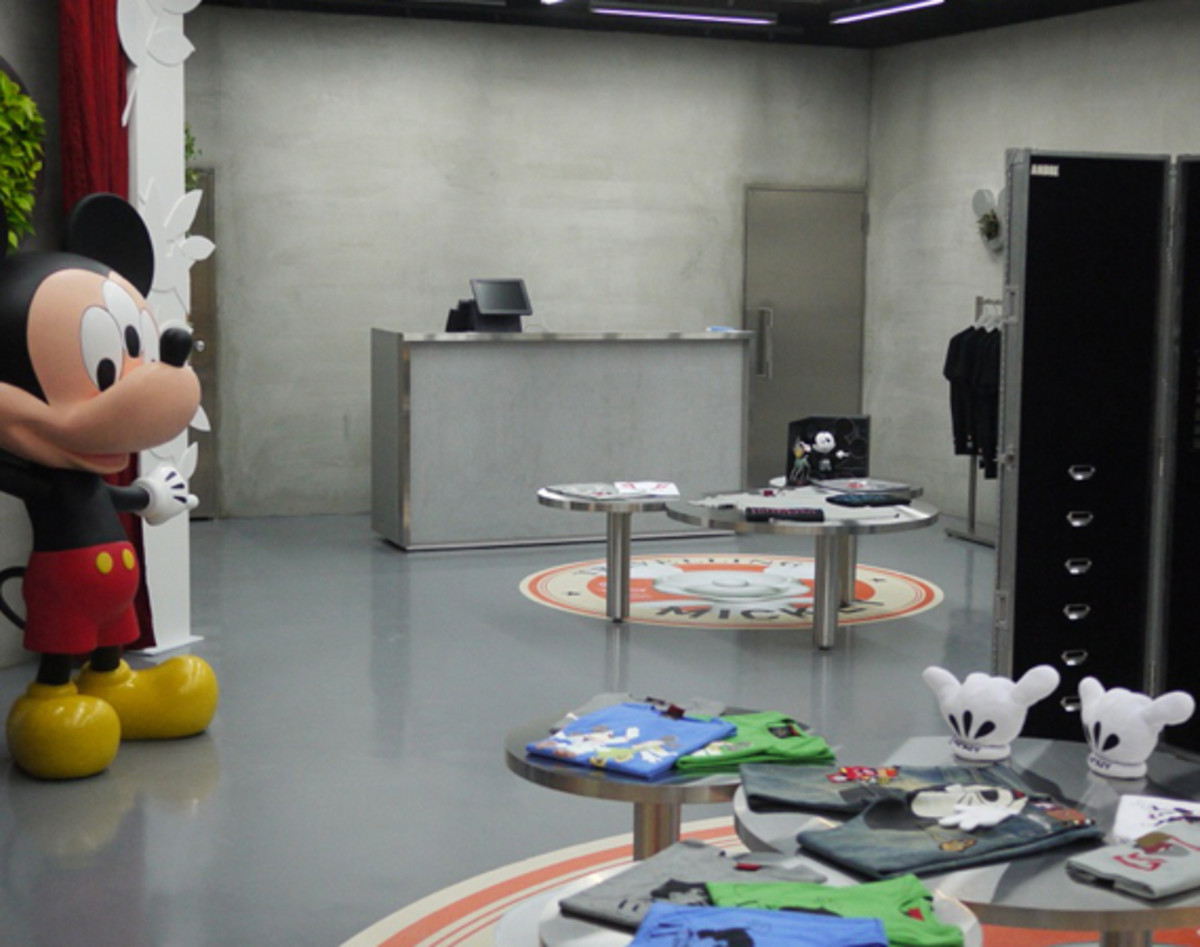 clot-disney-man-is-in-the-forest-taipei-05
