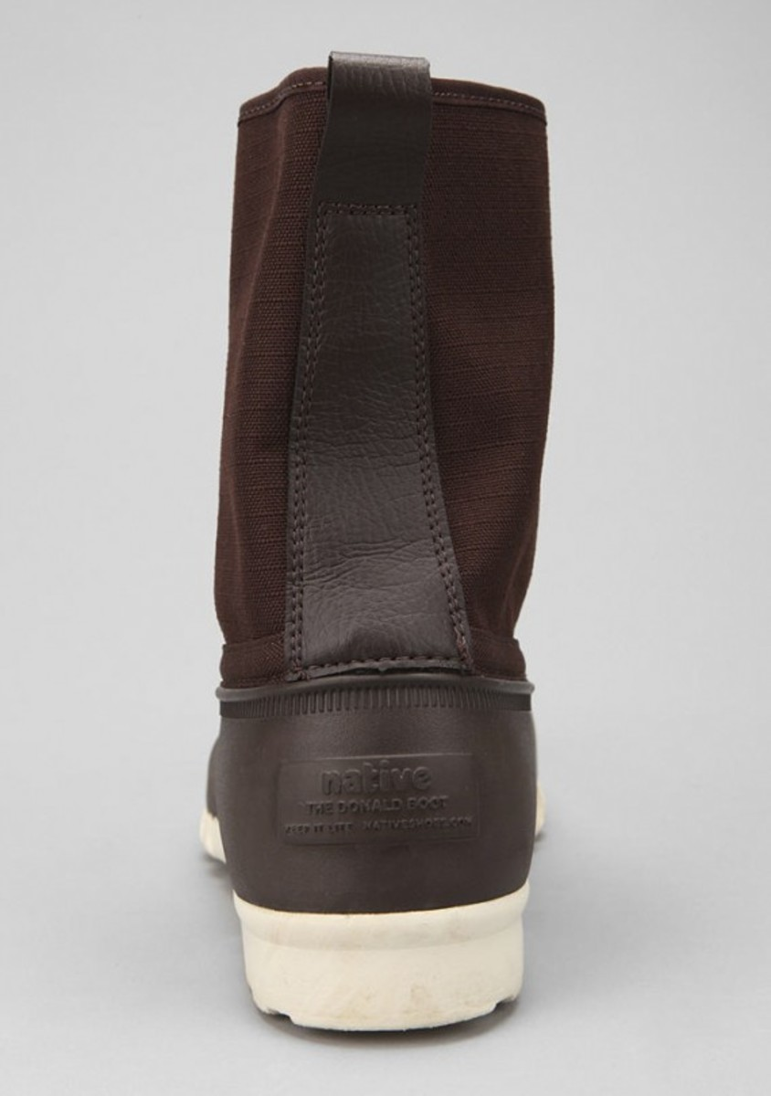 native-jimmy-duck-boots-brown-04