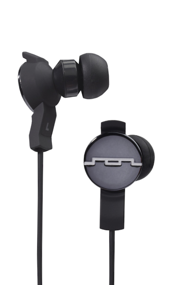 sol-republic-amps-headphones-black-01