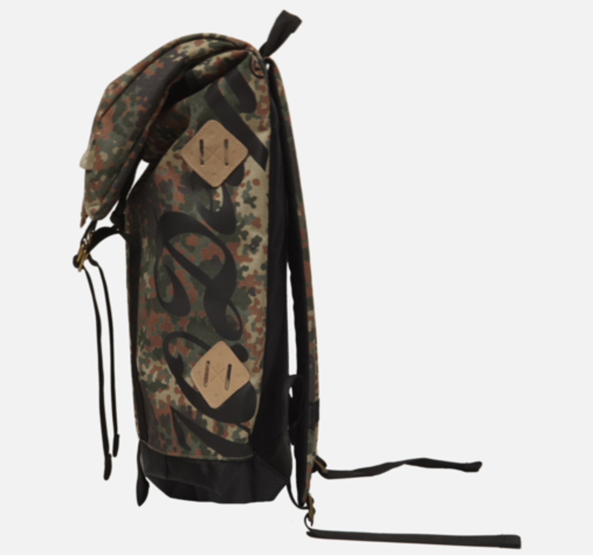 division-day-pack-camo-04