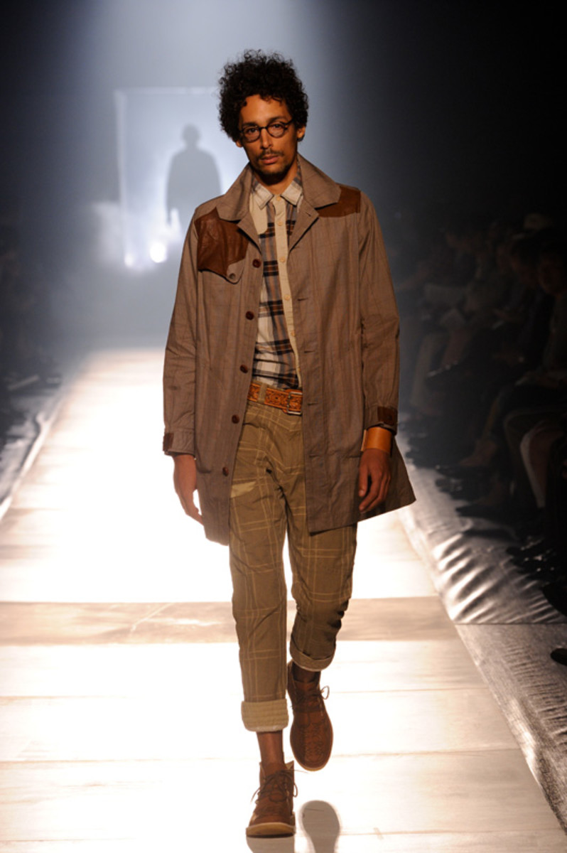 white-mountaineering-spring-summer-2012-16