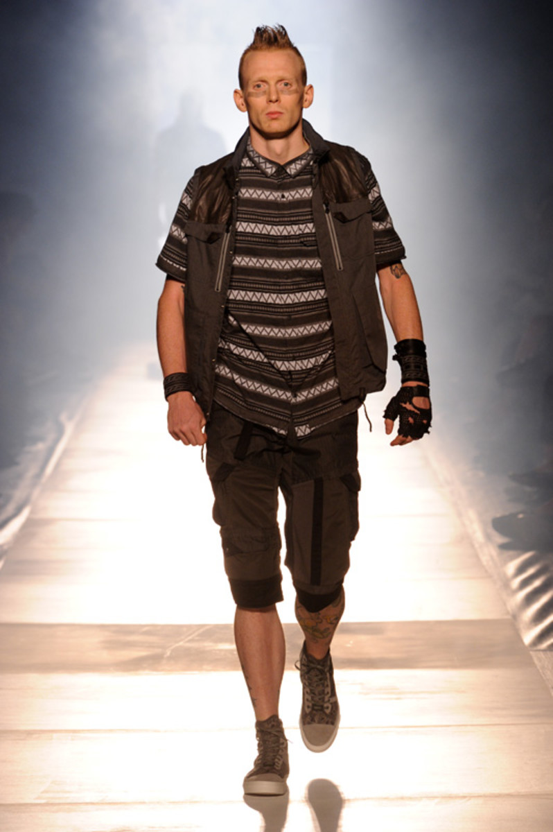 white-mountaineering-spring-summer-2012-13