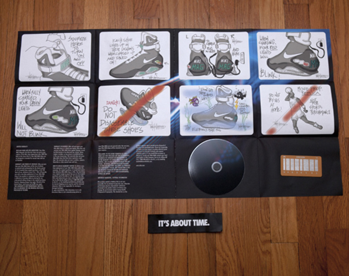 2011-nike-mag-unboxing-17