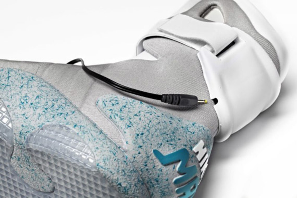 2011-nike-mag-charity-auction-reminder-10