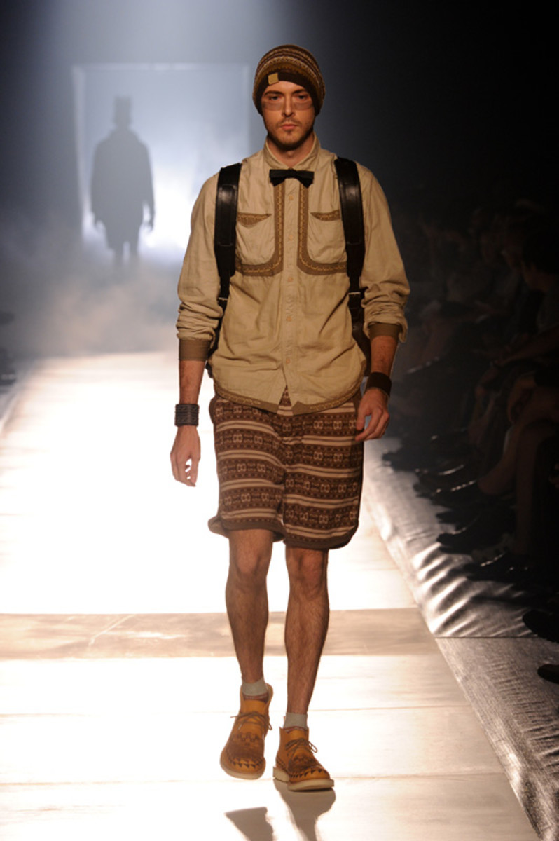 white-mountaineering-spring-summer-2012-18