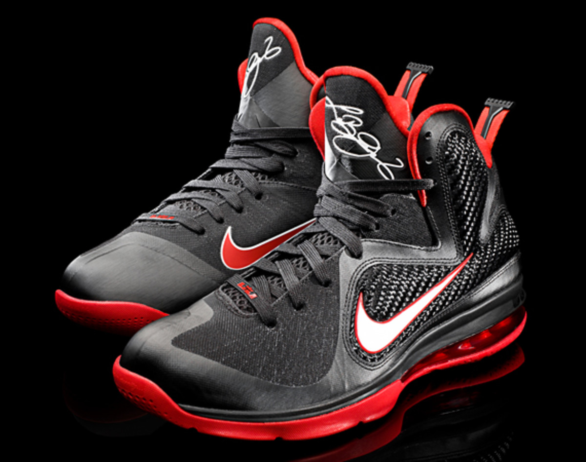 nike-lebron-9-detailed-look-02