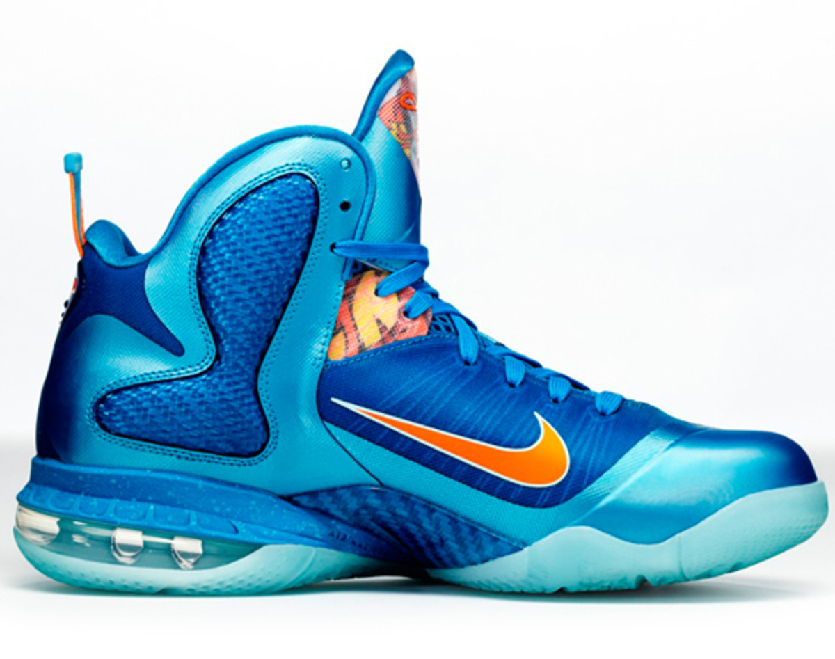 nike-lebron-9-china-edition-detailed-look-a04