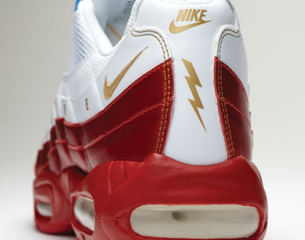 nike-doernbecher-freestyle-2011-air-max-95-daniel-bair-07