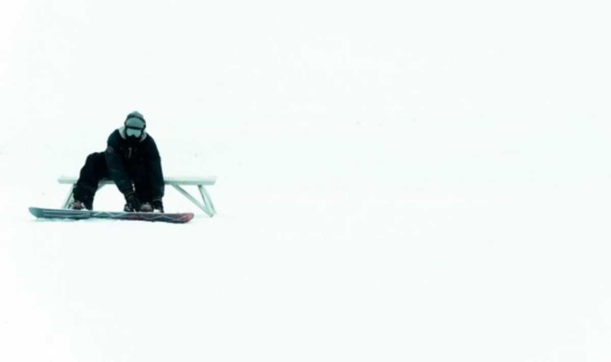 nike-snowboarding-winter-2011-collection-lookbook-01