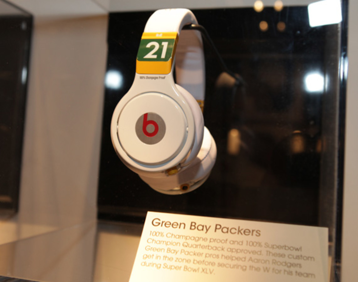 beats-by-dre-custom-headphones-11