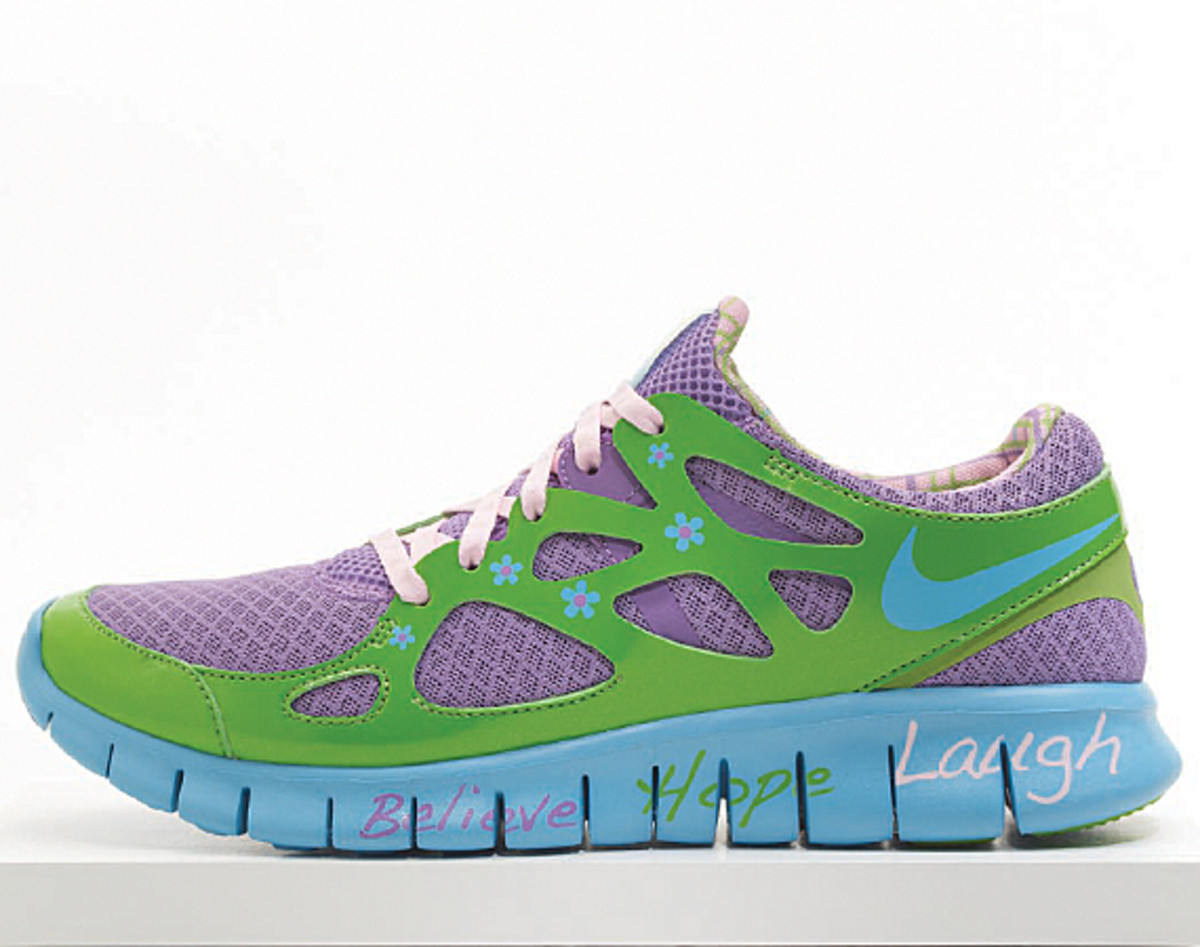 nike-doernbecher-freestyle-2011-free-run-2-mackenzie-short-01