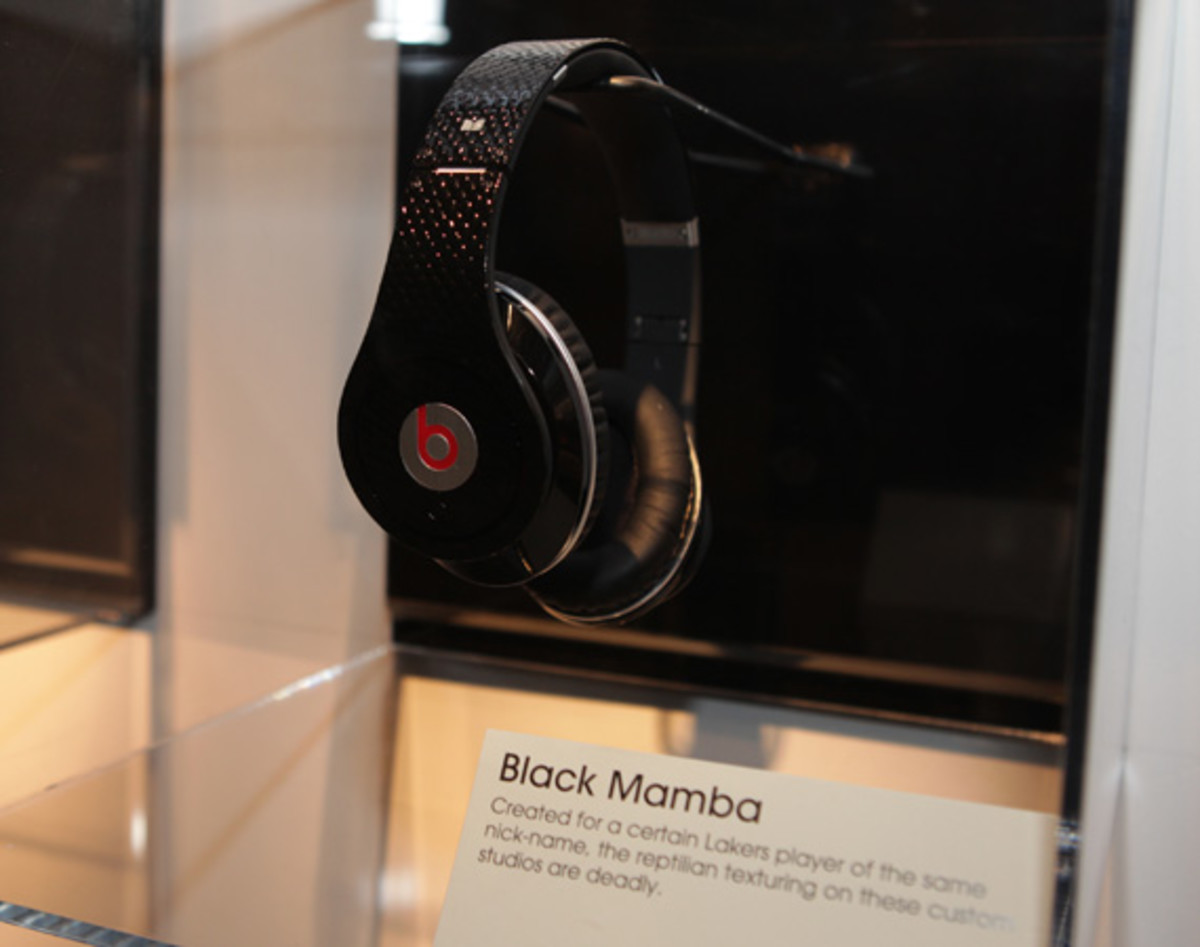 beats-by-dre-custom-headphones-06
