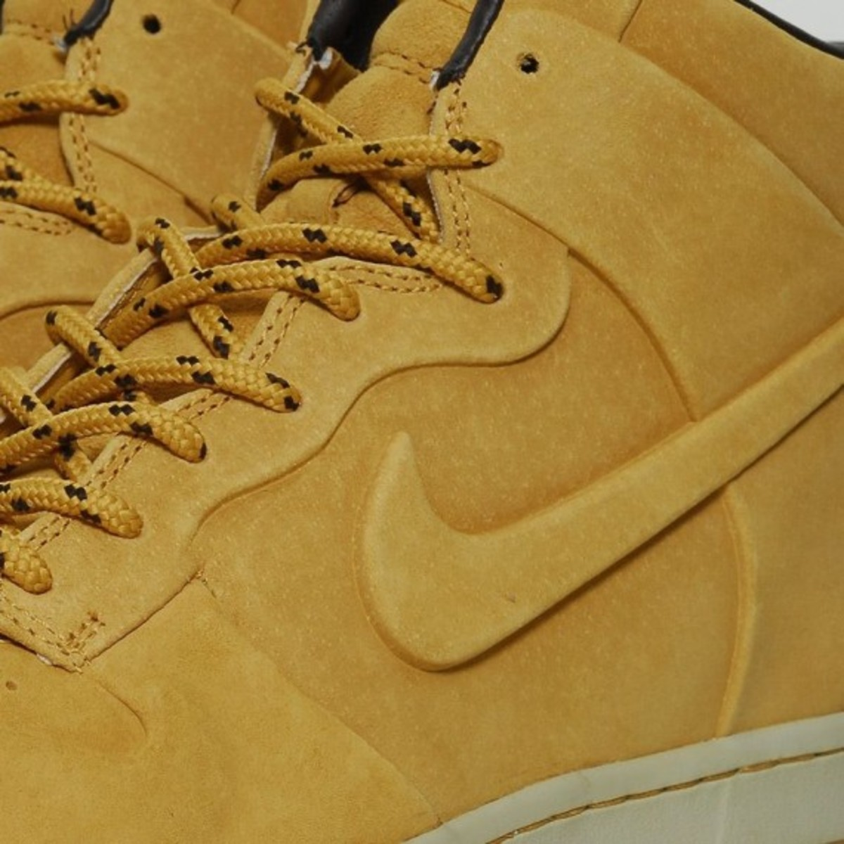nike-dunk-high-vt-premium-qs-06