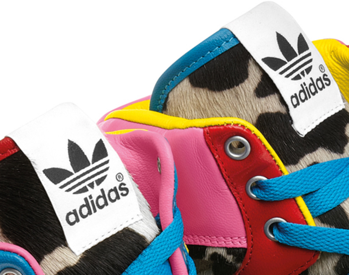 2NE1-adidas-originals-jeremy-scott-js-collage-wing-08