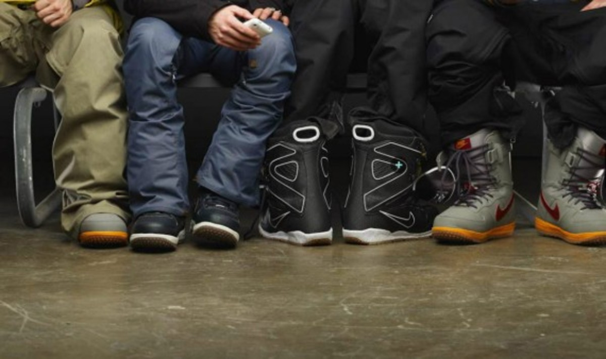 nike-snowboarding-winter-2011-collection-lookbook-16