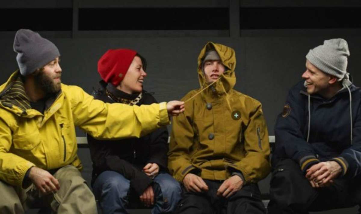 nike-snowboarding-winter-2011-collection-lookbook-15