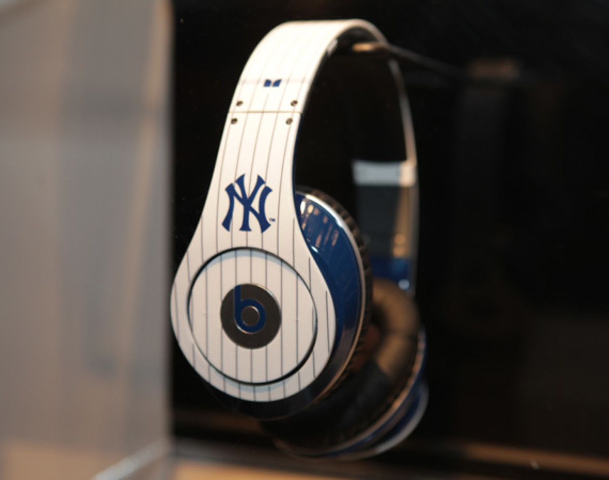beats-by-dre-custom-headphones-05