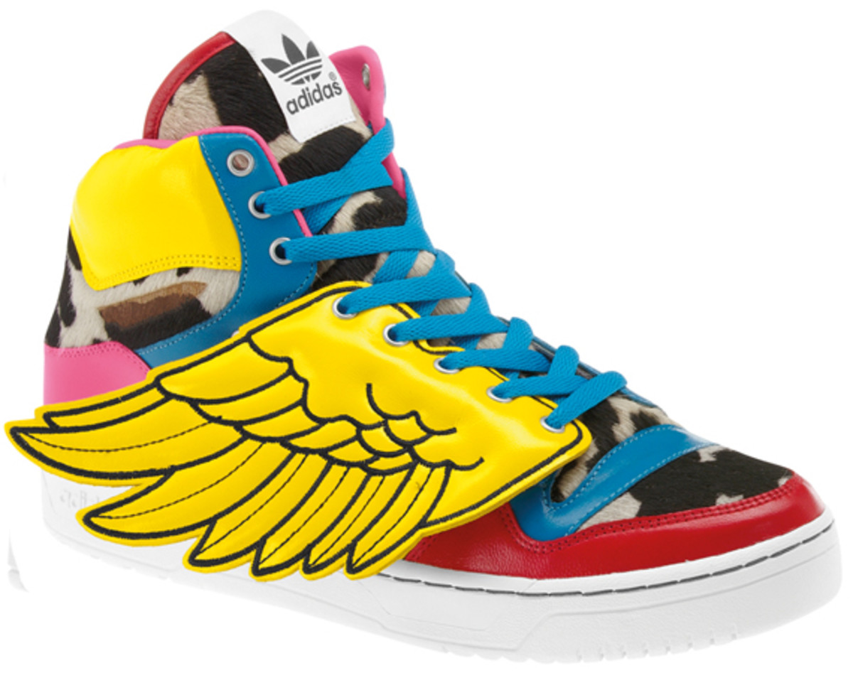 2NE1-adidas-originals-jeremy-scott-js-collage-wing-05