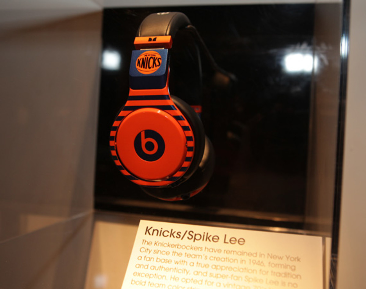 beats-by-dre-custom-headphones-02