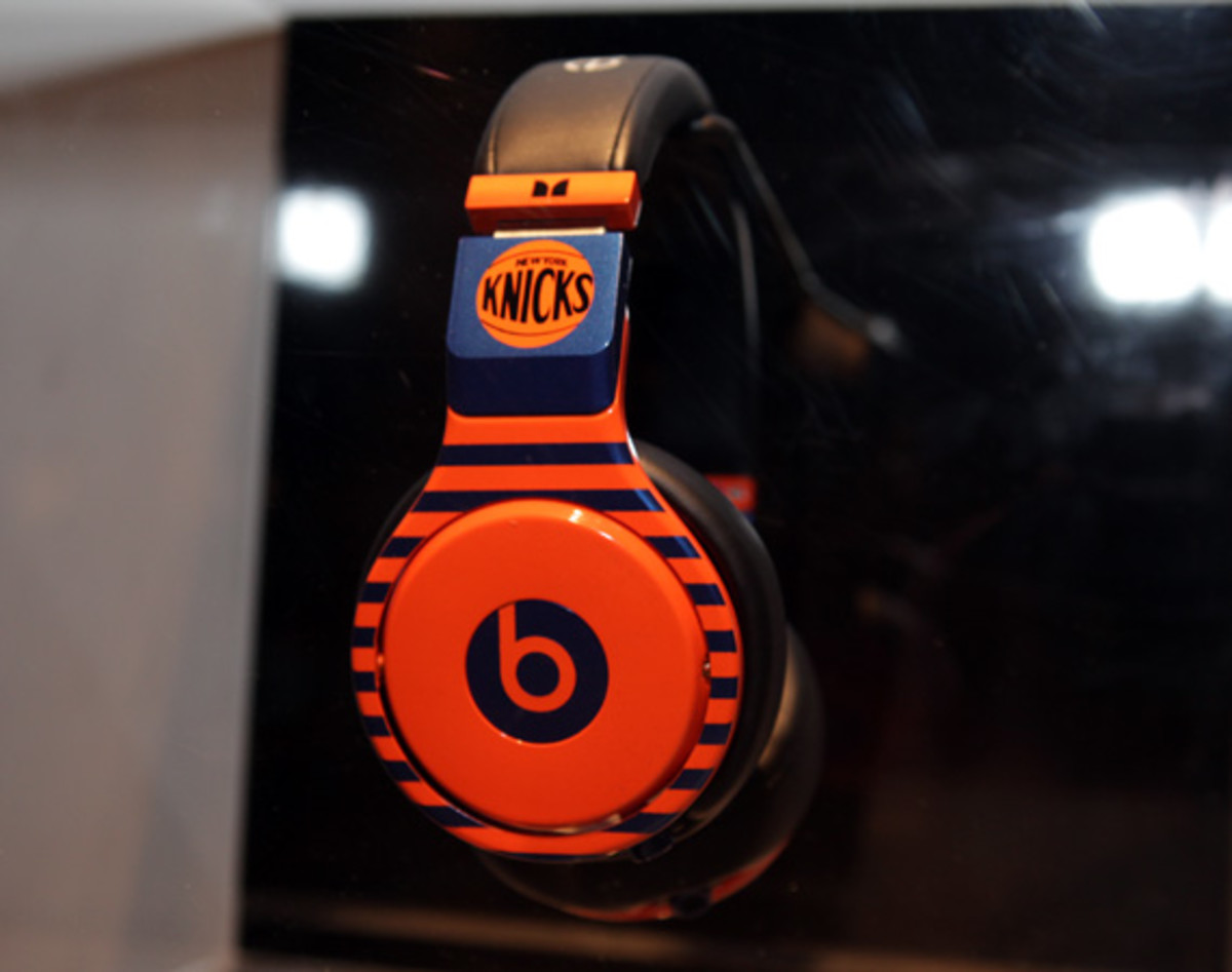 beats-by-dre-custom-headphones-03