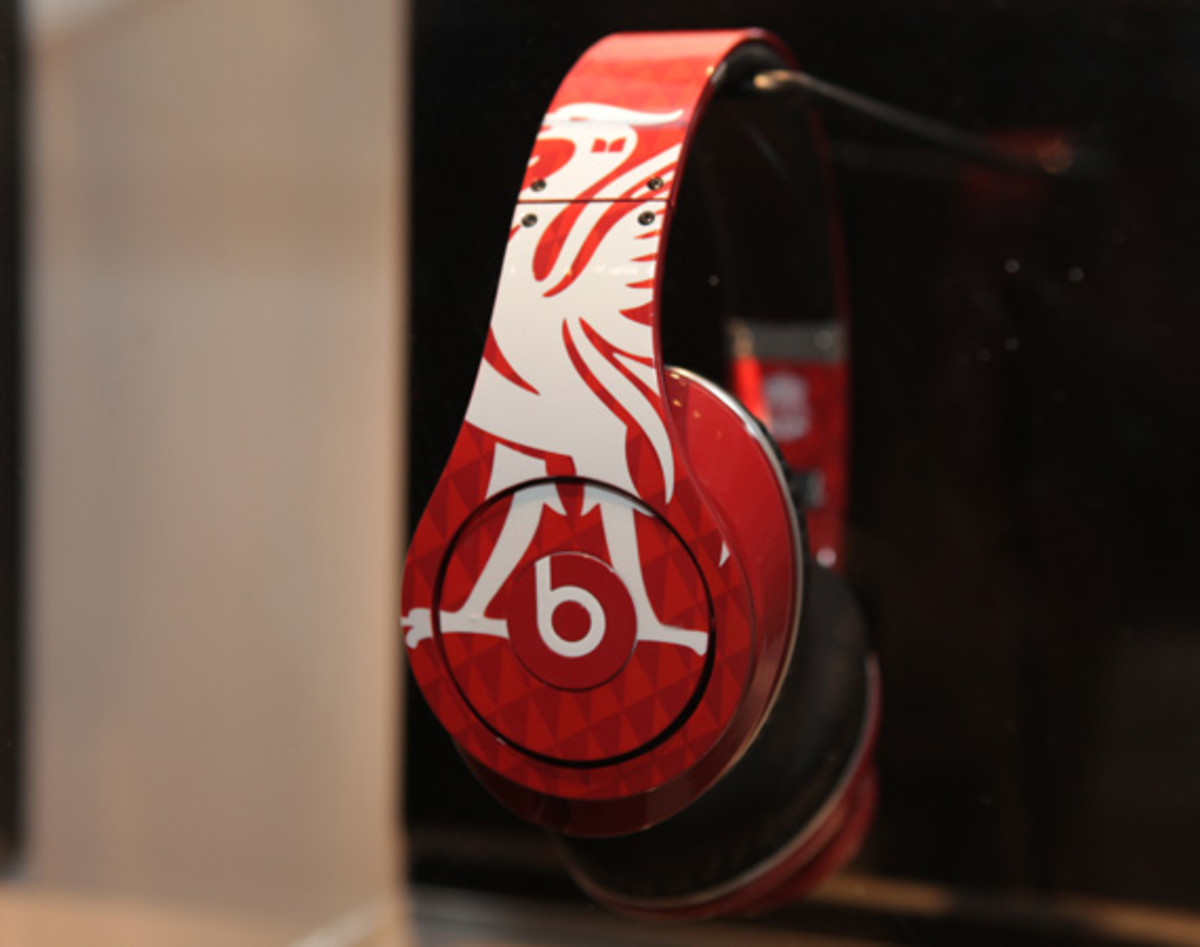 beats-by-dre-custom-headphones-10