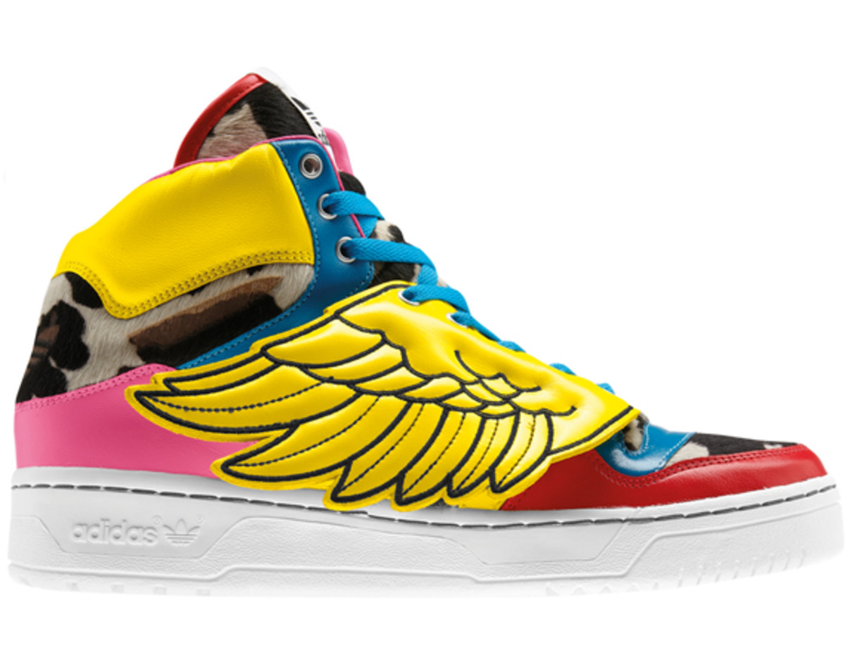 2NE1-adidas-originals-jeremy-scott-js-collage-wing-02