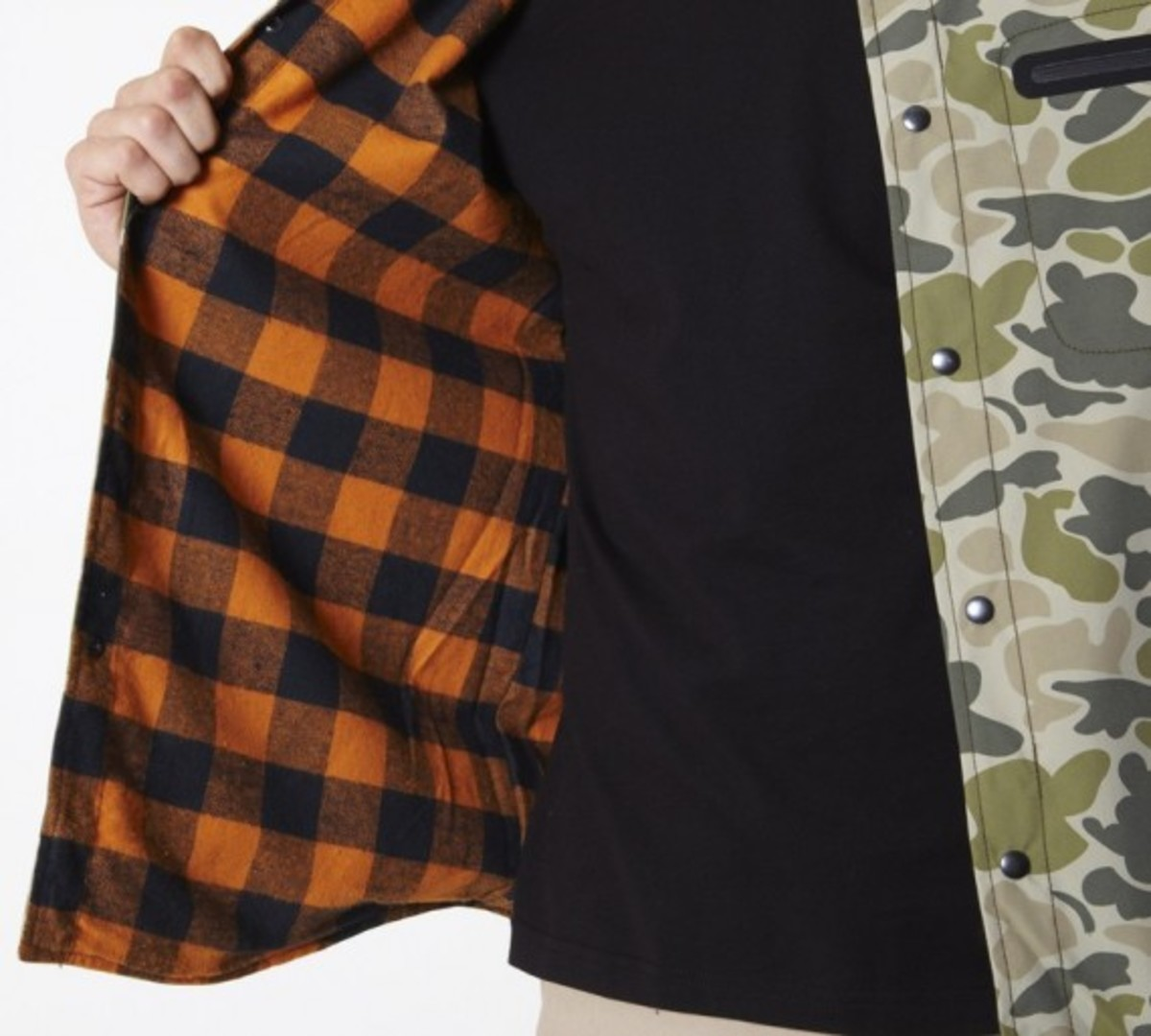 stussy-fall-2011-surplus-collection-zip-camo-shirt-08