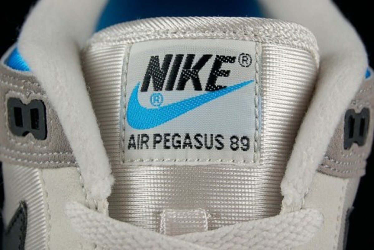 Nike  Air Pegasus 89 - Light Bone - Vivid Blue - 5