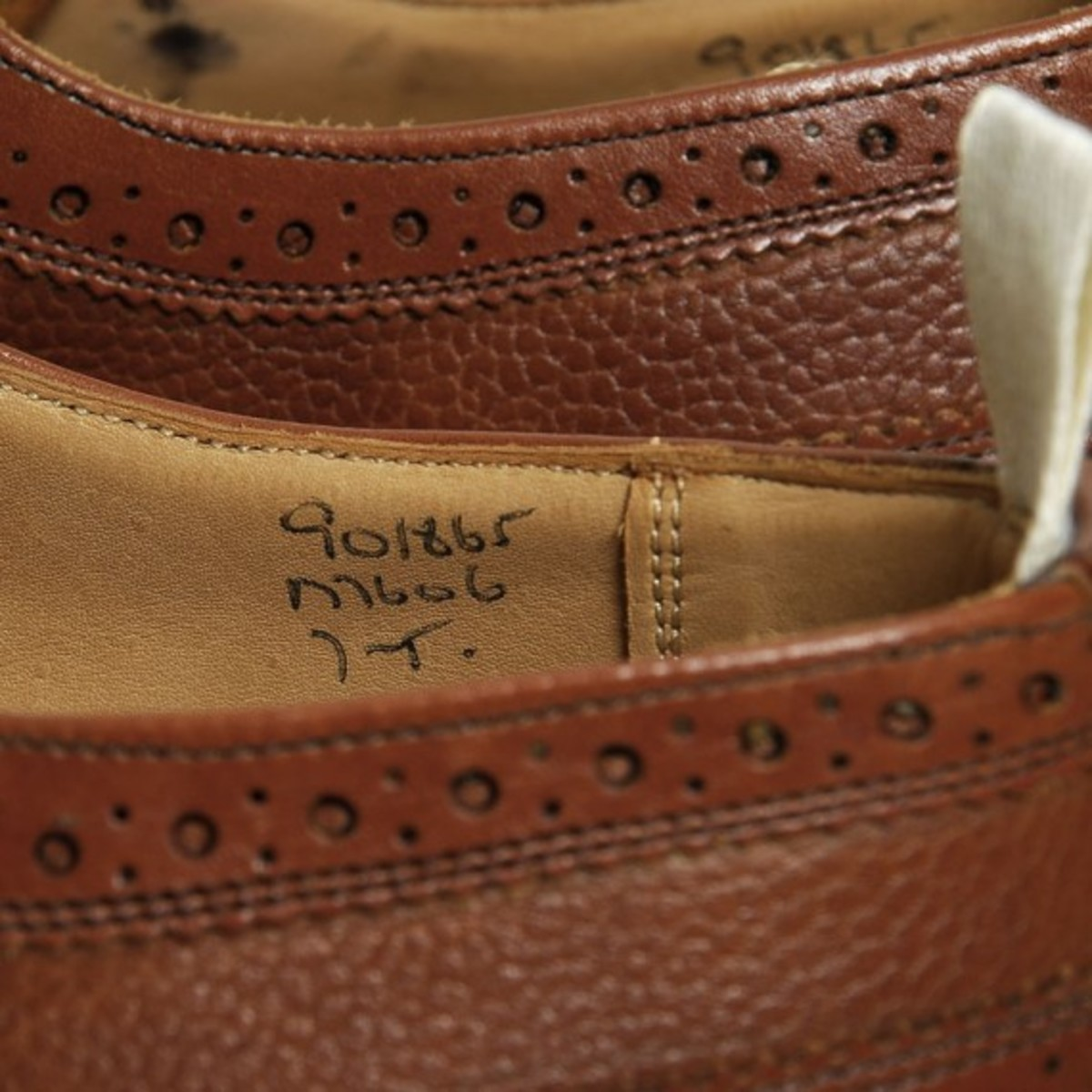 two-tone-long-wing-brogue-19
