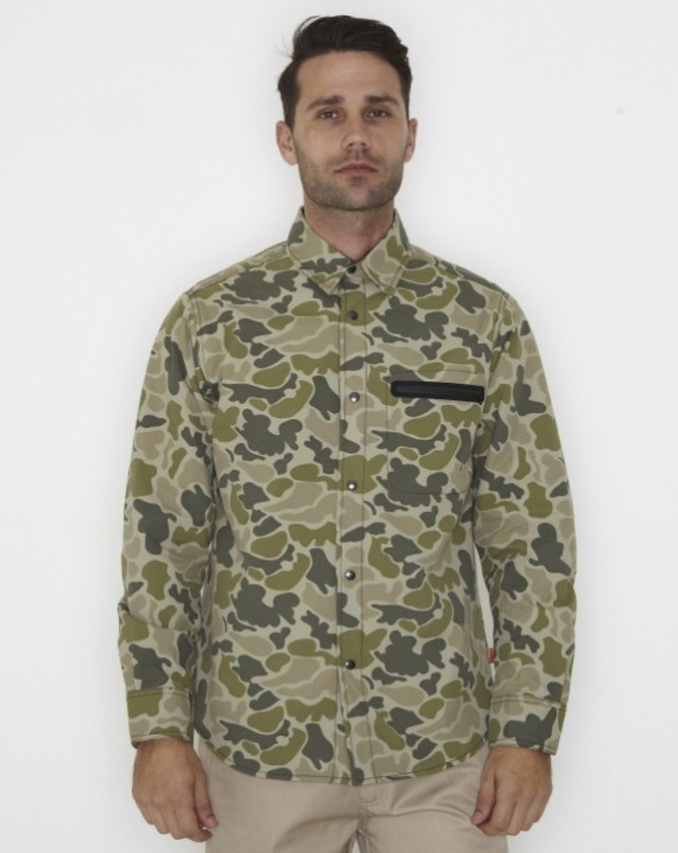 stussy-fall-2011-surplus-collection-zip-camo-shirt-05