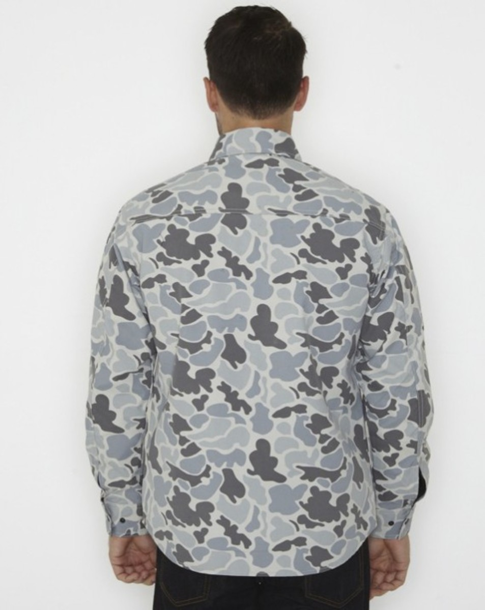 stussy-fall-2011-surplus-collection-zip-camo-shirt-02