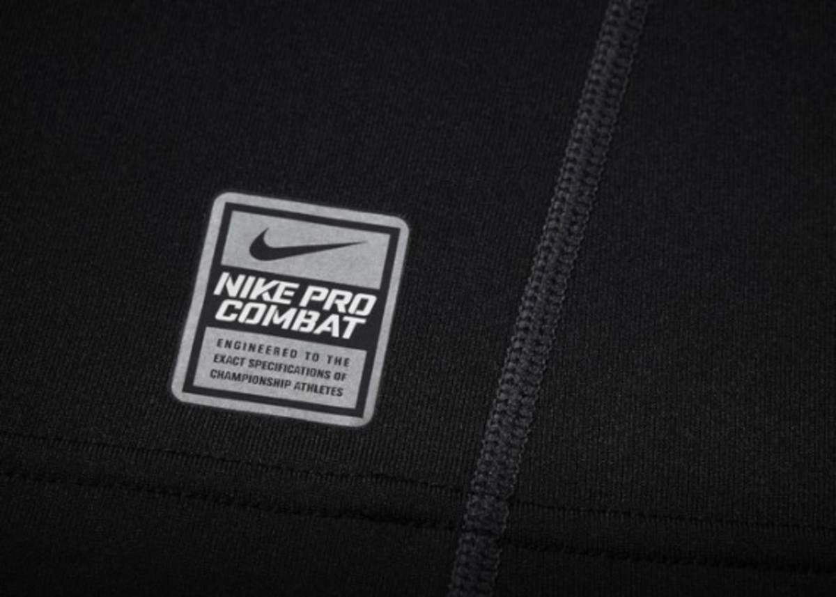 nike-pro-combat-hyperwarm-shield-mock-07