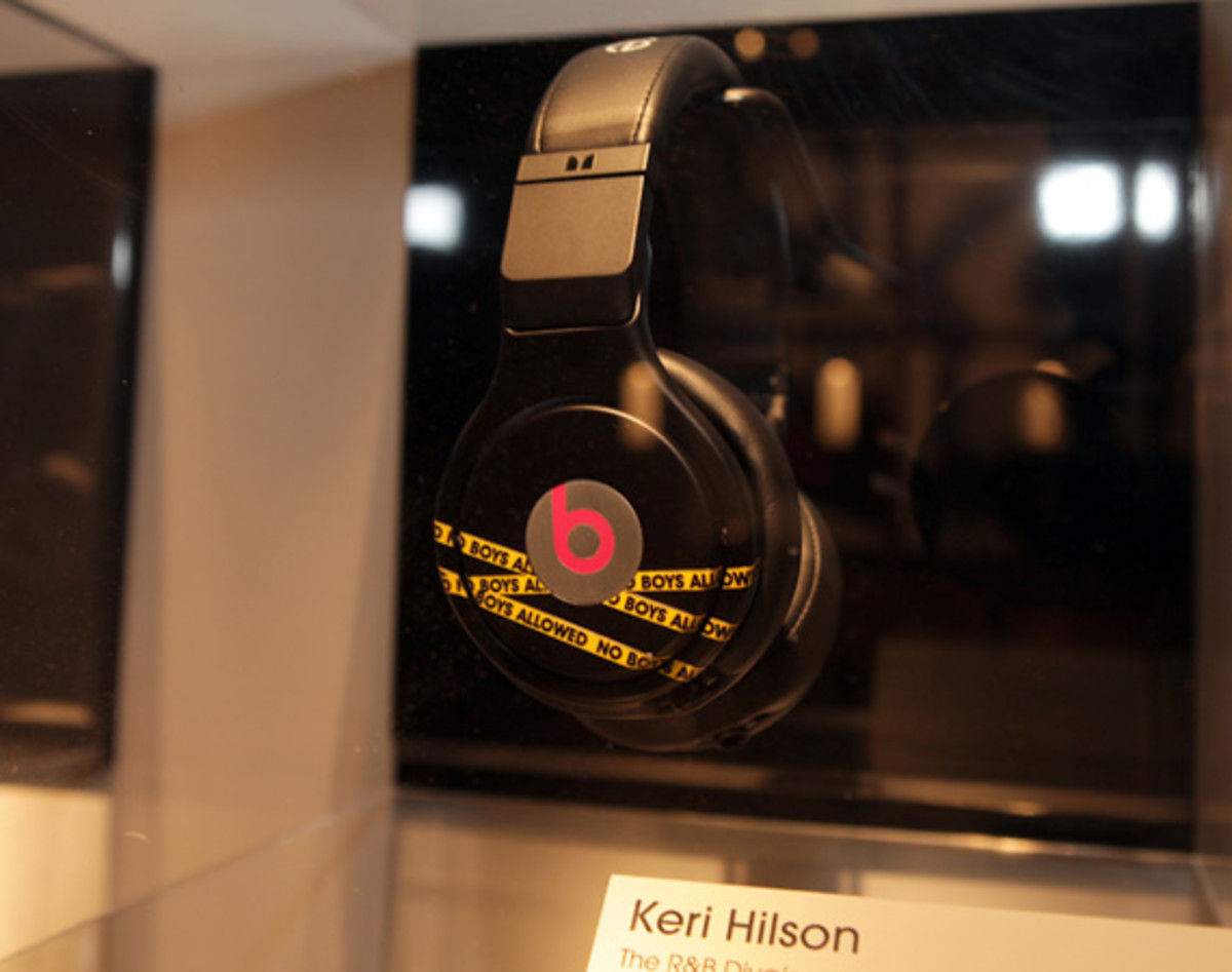 beats-by-dre-custom-headphones-17