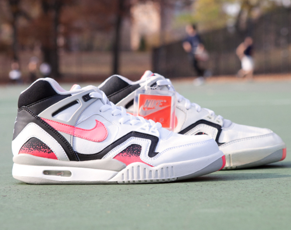 re fresh nike air tech challenge ii 1990 freshness mag. Black Bedroom Furniture Sets. Home Design Ideas