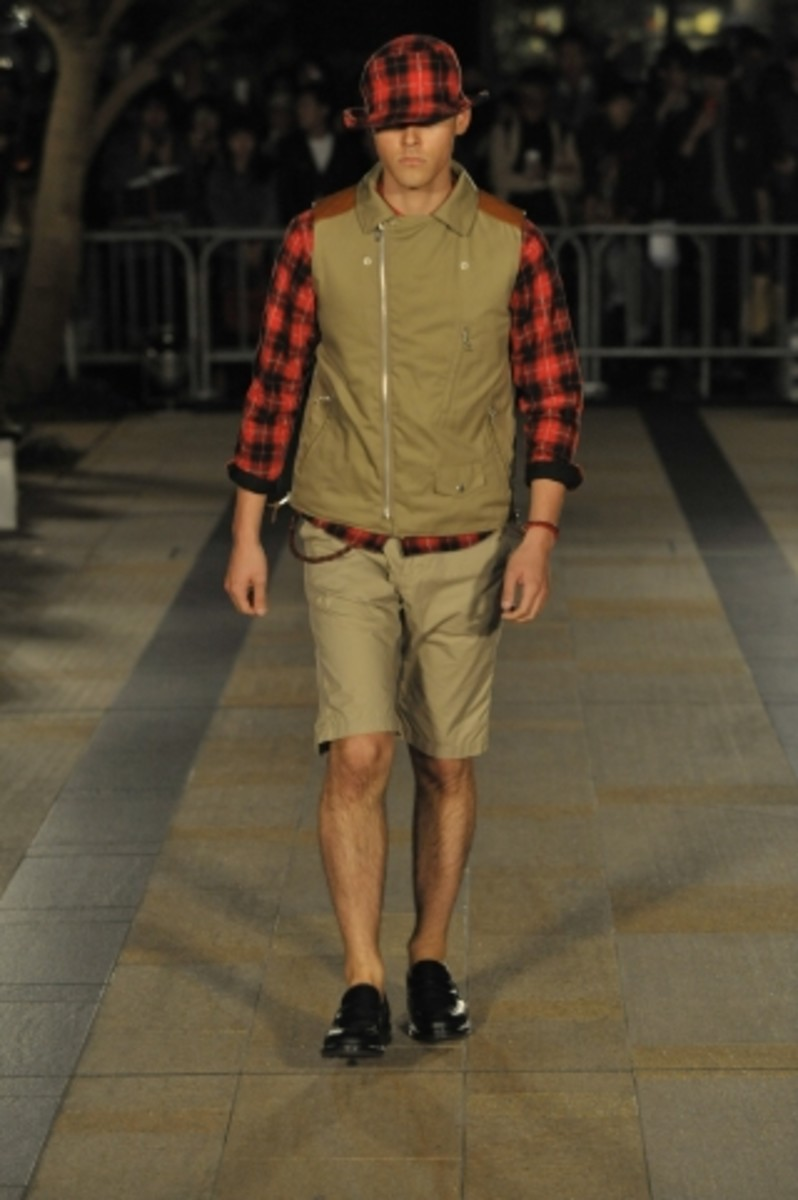 whiz-limited-spring-summer-2012-collection-runway-13